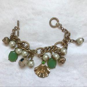 NWOT faux pearl statement bracelet